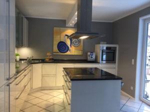Schöne Küchen mit abwaschbarer Oberfläche